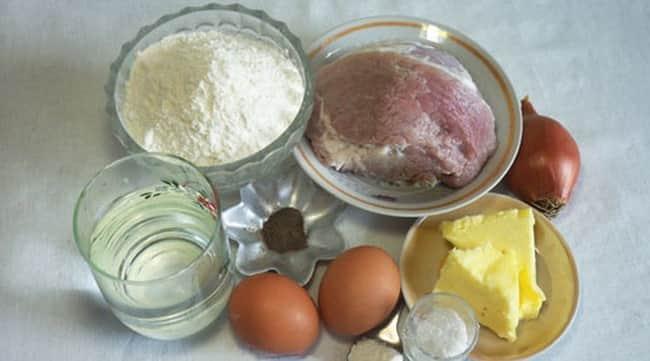 Чтобы сделать самсу, возьмите такие ингредиенты