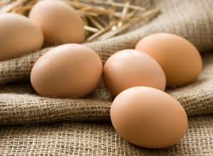 Выбираем куриные яйца для пирога