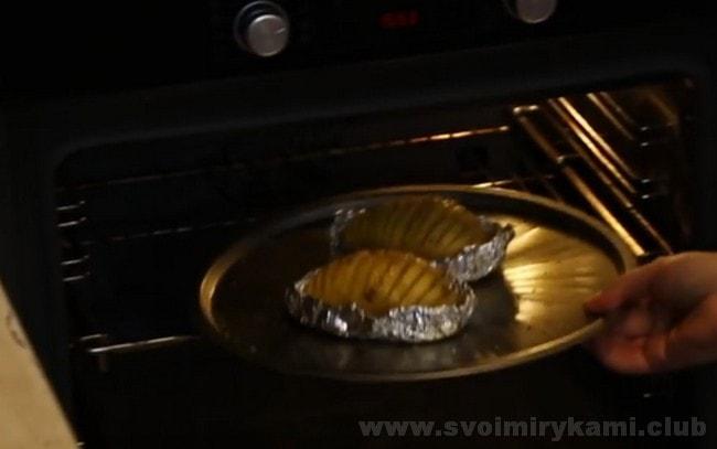 Даже если вы перепробовали много рецептов блюд из картошки в духовке, этот однозначно останется у вас одним из любимых.