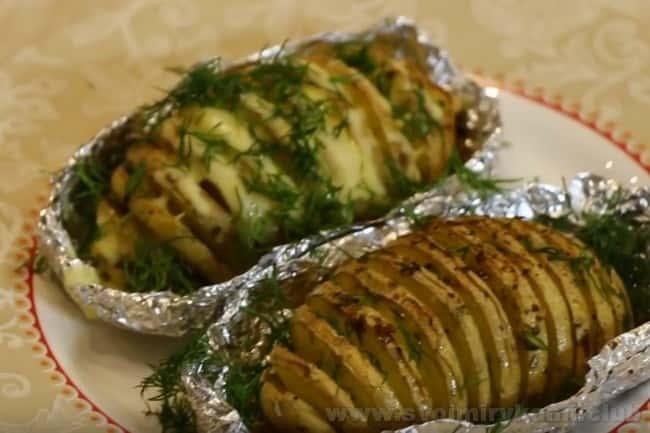 Вот какой красивый резуьтат мы получили, воспользовавшись рецептом запеченной картошки в духовке с сыром.