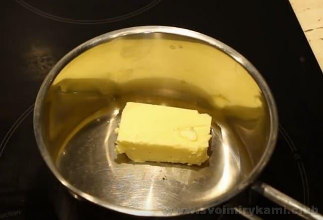 Такой рецепт запеченной картошки в духовке с сыром прекрасно подходит даже для праздничного стола.