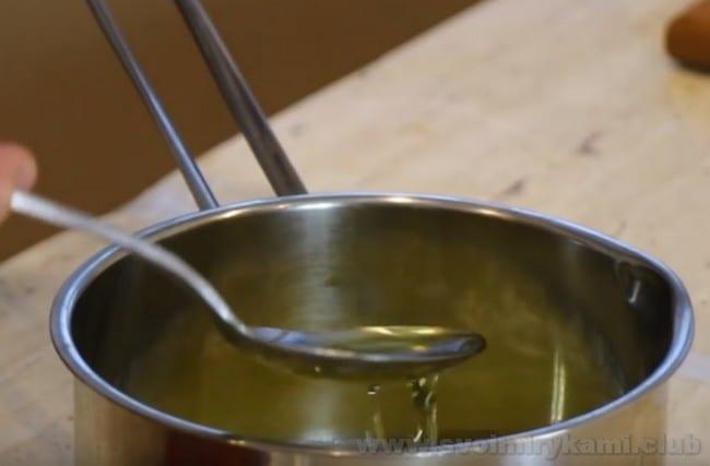 Этот весьма простой рецепт картошки в духовке сможет действительно приятно удивить ваших близких.