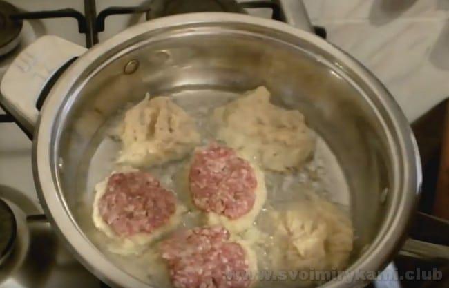 Рецепт колдунов с мясом поможет вам разнообразить повседневное меню.