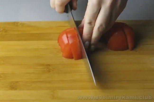 Баклажанное рагу - это прекрасный вариант для обеда или ужина.