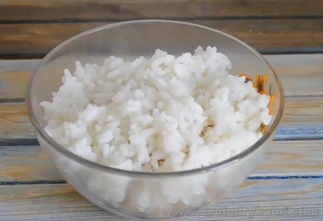 В мультиварке фаршированные кабачки с фаршем и рисом по этому рецепту получаются очень нежными и сочными.