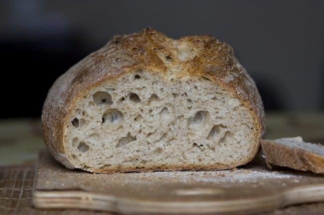 Рецепт приготовления хлеба из цельнозерновой муки в духовке