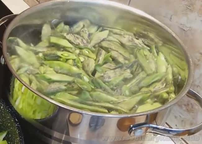 Лобио из стручковой фасоли - это действительно простой рецепт полезного и главное - вкусного блюда.