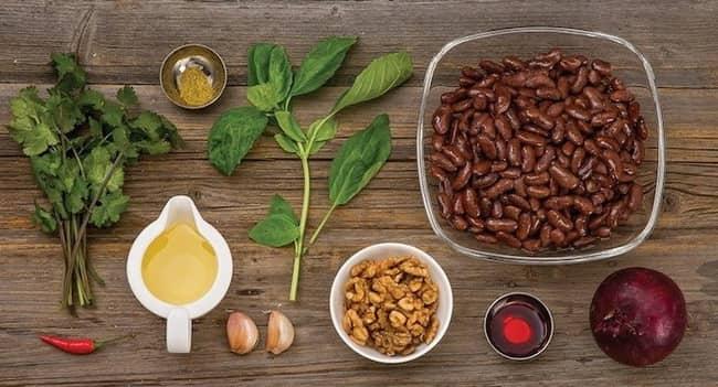 Для приготовления лобио из красной фасоли возьмем такие ингредиенты