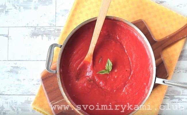 Простой в приготовлении соус для макарон по нашему рецепту готов и теперь можно его смело подавать с пастой.