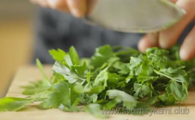 Воспользовавшись этим рецептом с фото как основой,вы можете приготовить филе индейки в духовке.