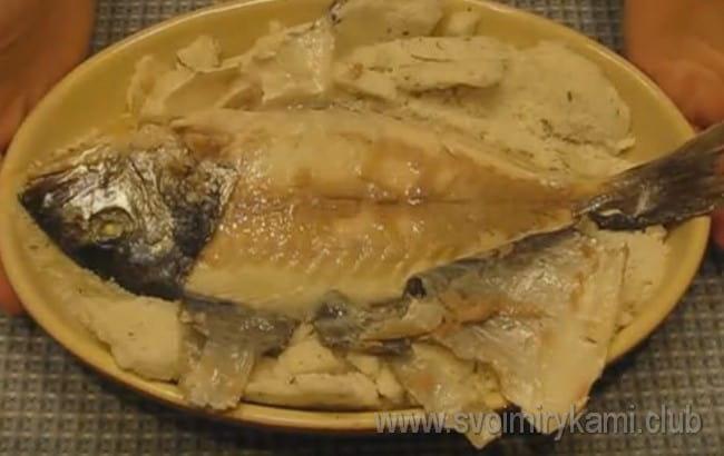 Рыба в соли в духовке по этому рецепту получается невероятно вкусной!