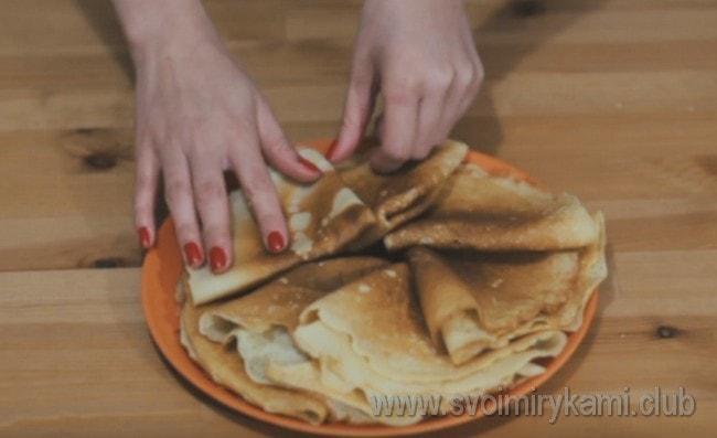 Попробуйте приготовить такие вкусные блины на рисовой муке, как в нашем рецепте с фото.