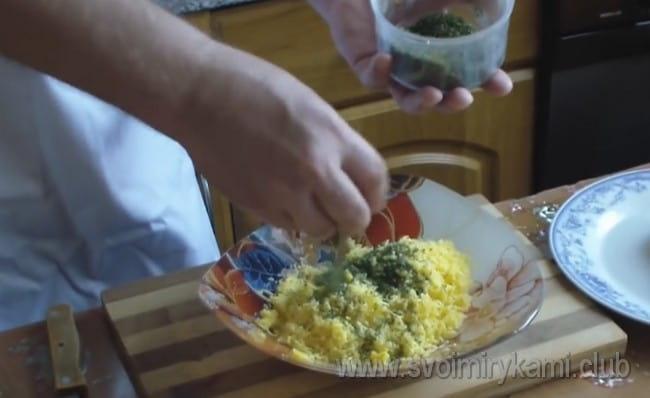 А вот рецепт крабовых палочек в кляре с сыром.