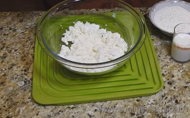 Наш рецепт с фото поможет вам пошагово приготовить оладьи с творогом.