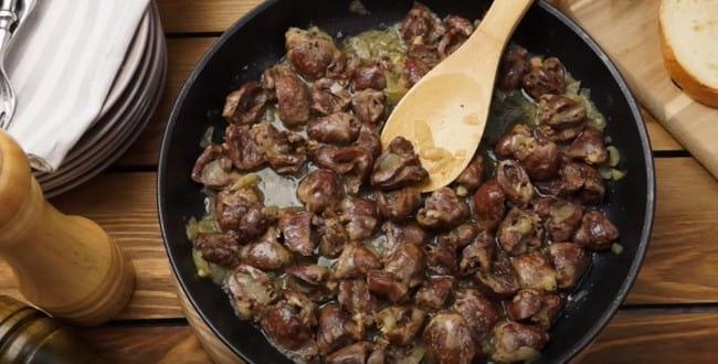 Рецепт приготовления жареных куриных сердечек с лучком