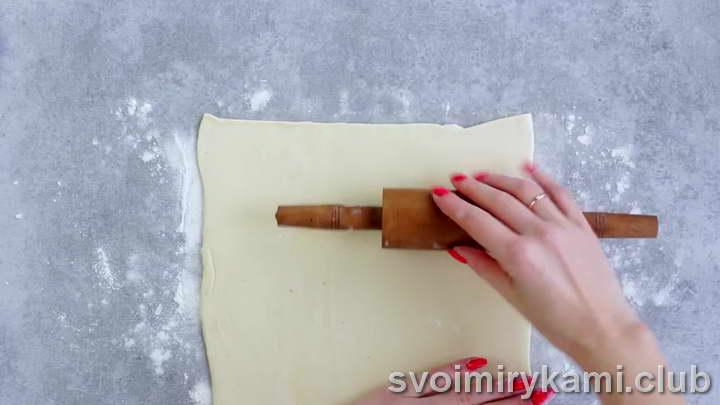 булочки с корицей из слоеного теста простой рецепт