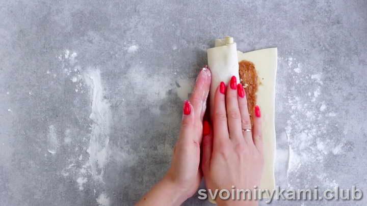 булочки с корицей из слоеного теста легкий рецепт с фото