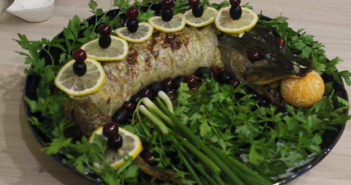 Фаршированная щука с грибами — праздничный рецепт