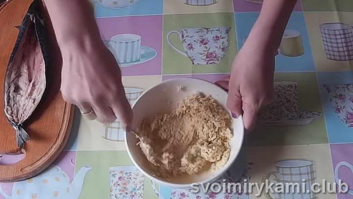 фаршированная скумбрия под соусом
