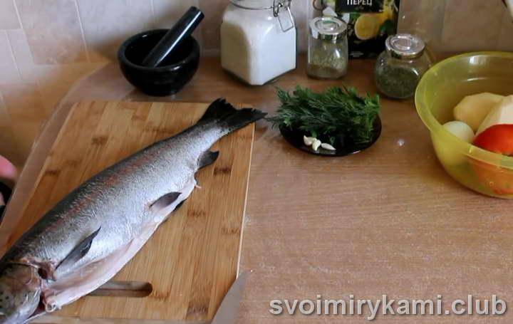 форель с картошкой в духовке как приготовить