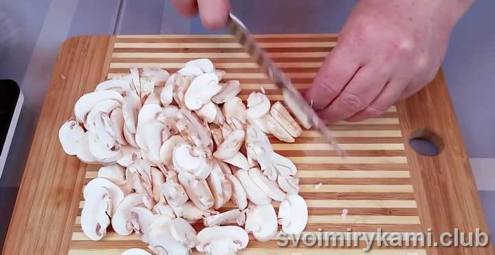 лосось в духовке рецепт с грибами