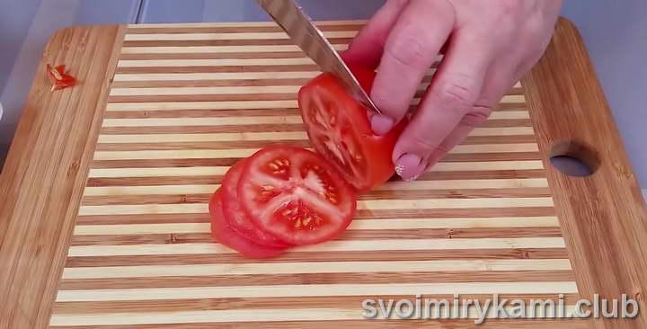 лосось в духовке рецепт с помидорами