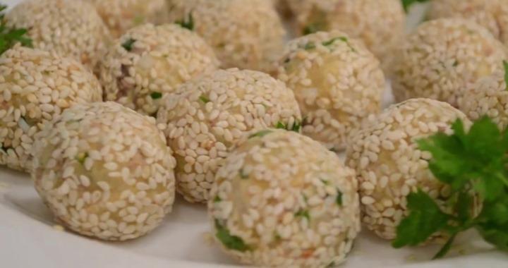 Закусочные шарики из печени трески — очень вкусный и простой рецепт