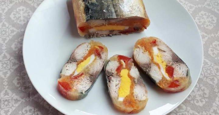 Царский рулет из скумбрии с овощами — яркий праздничный рецепт