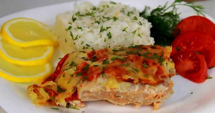 Сочная и вкусная рыба под шубой в духовке