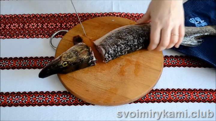 щука фаршированная в духовке рецепт с фото