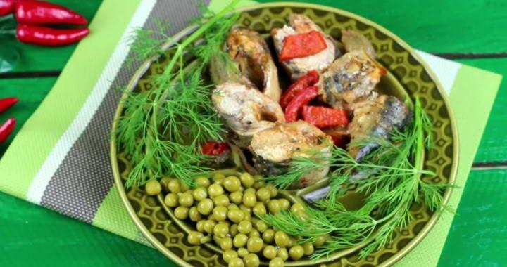 Скумбрия тушеная с овощами — рецепт, который обязательно надо попробовать