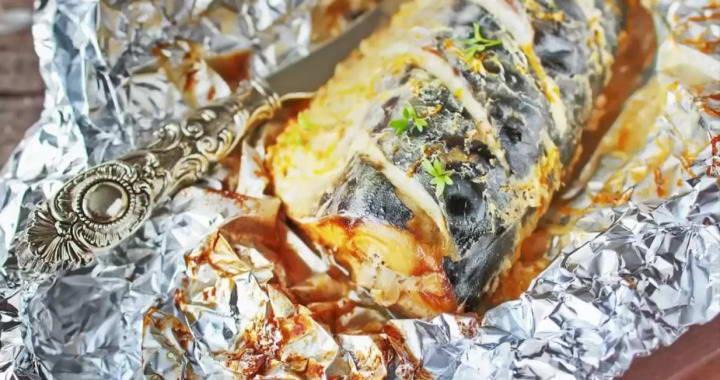 Запеченная скумбрия в фольге в духовке — быстро, просто и вкусно