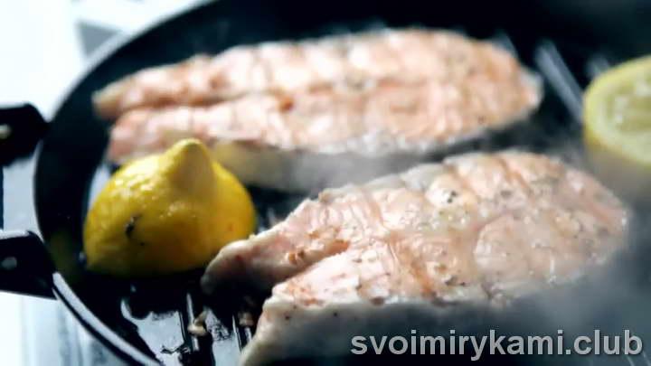 стейк из семги на сковороде как просто приготовить