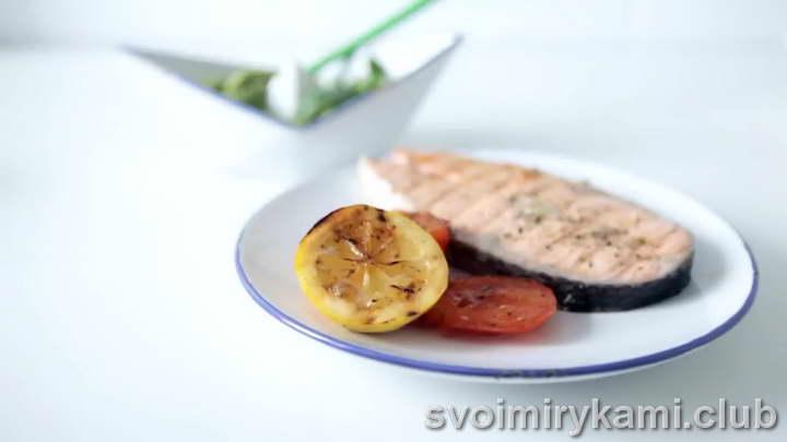 стейк из семги на сковороде видео