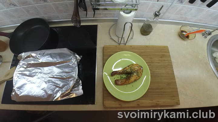 стейк лосося в духовке видео