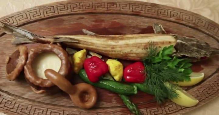 Рецепт приготовления стерляди с гарнировм и соусом — еда для царей