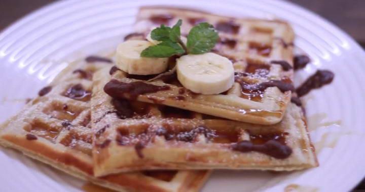 Хрустящие и мягкие бельгийские вафли — идеальный завтрак丹