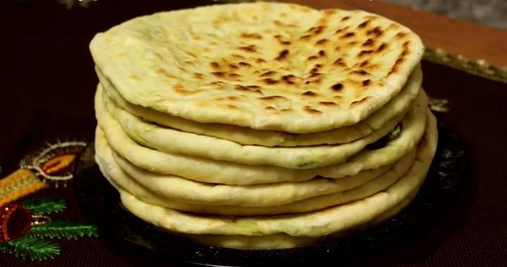 Хачапури с творогом и сыром на сковороде — простой рецепт приготовления不