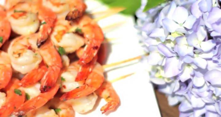 Креветки в чесночном маринаде, жаренные на гриле или мангале
