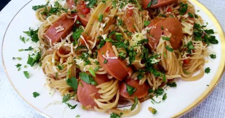 Спагетти с сосисками - рецепт пошаговый с фото