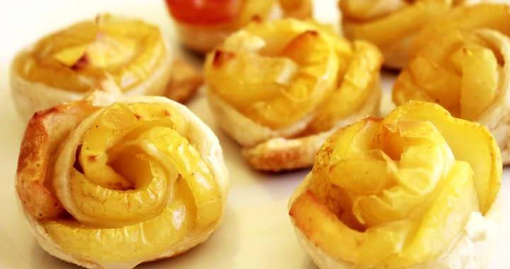 Пирожное «Розочки» из слоеного теста с яблоками