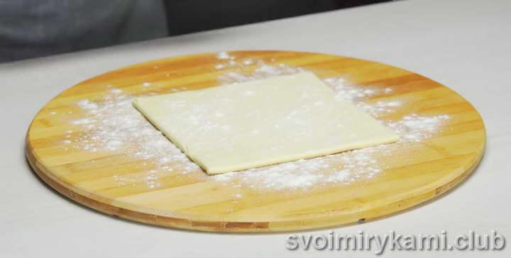 слоеное тесто с сыром рецепт с фото