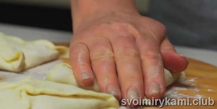 слоеное тесто с сыром легкий рецепт с фото