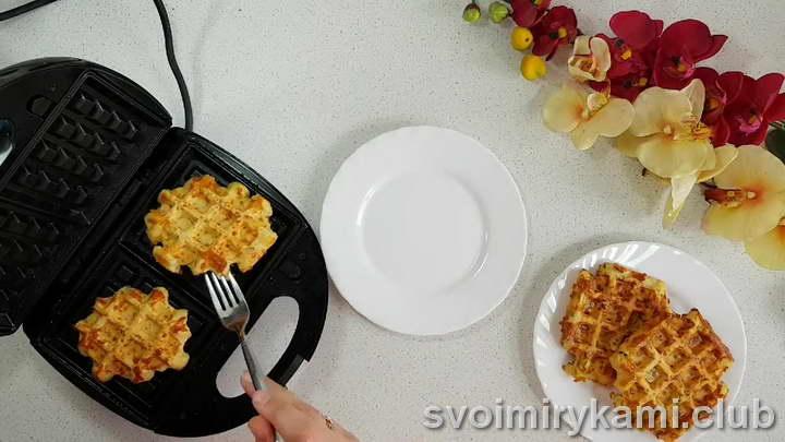 сырные вафли в вафельнице видео