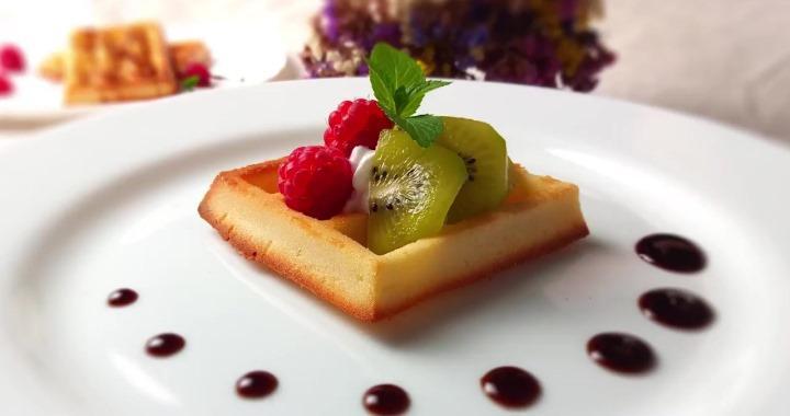 Вкусные мягкие вафли — бельгийские и американские丹