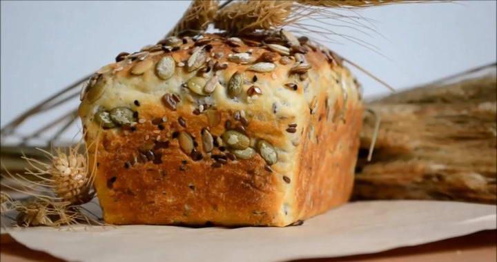 Зерновой хлеб на дрожжах с добавлением семечек — выпекаем в духовке🍞