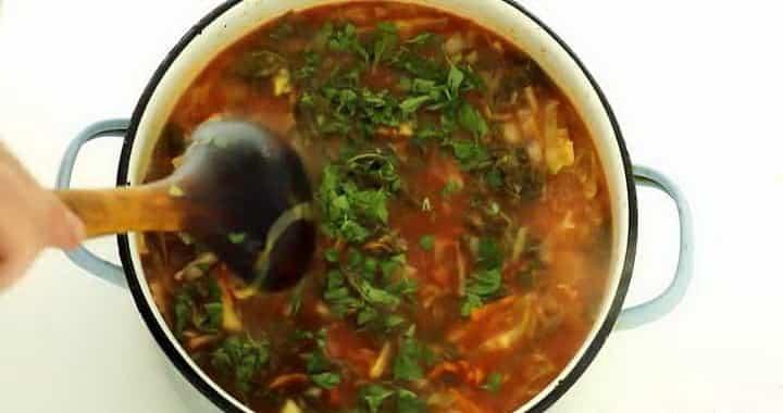 Борщ из свежей капусты — наваристое первое блюдо к домашнему обеду 🥣