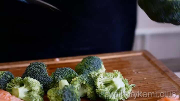 Для приготовления блюда подготовьте капусту
