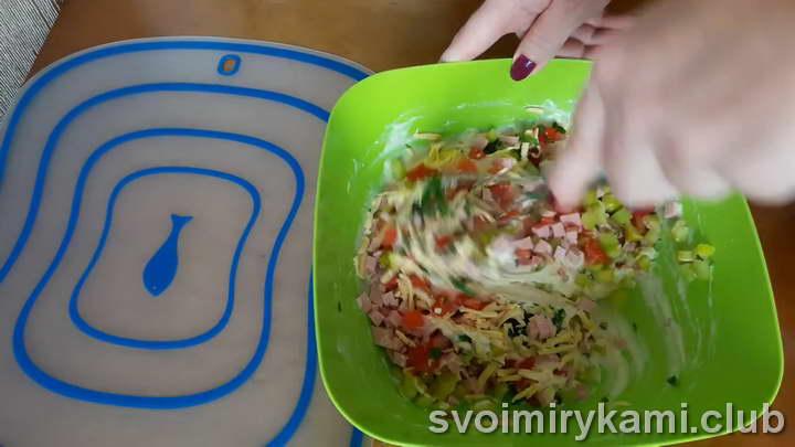 отправляем начинку для оладьей в тесто