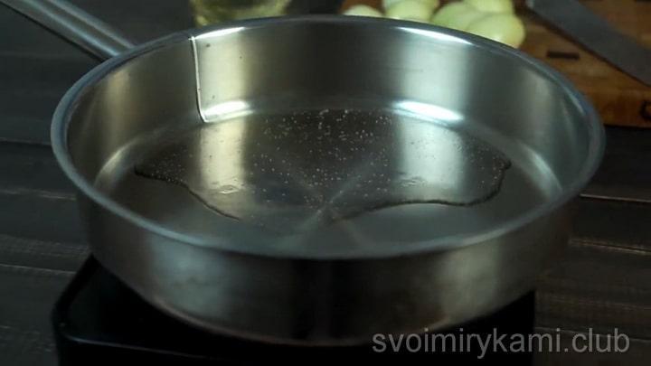 Для приготовления щей подготовьте ингредиенты